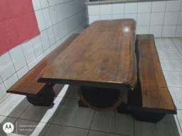 Vendo mesa rústica.