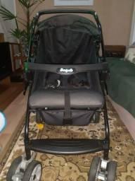 Vendo carrinho de bebê com bebê conforto
