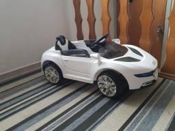 Carro elétrico Audi infantil