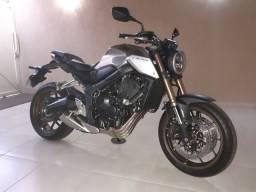 CB 650R MODELO 2021