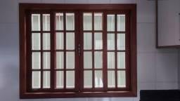 Vendo janelas de correr em madeira Angelim