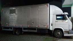 Transporte montagens e desmontagens de móveis.