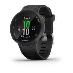 Relógio Esportivo Garmin Forerunner 45 preto com GPS e monitor cardíaco, 5 ATM