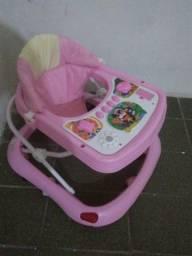 Andar infantil Rosa semi novo sem marcas de uso