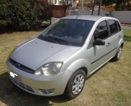 Fiesta 2004 1.0 4-Portas Motor Zetec Rocam Ar Condicionado Só 11.950 Troco/Financio/Cartão - 2004