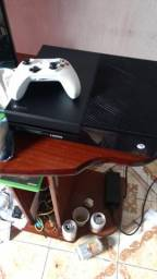 Vendo Xbox one de 1tb