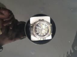 Vende-se relógio original G -shok $180.00
