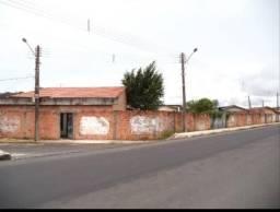 ( v ) casa no distrito