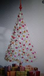 Árvore de natal branca com 48enfeites 1'80 metros