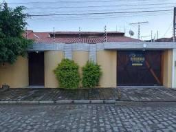 Bairro Eldorado - Casa 2 vagas de garagem 04 quartos