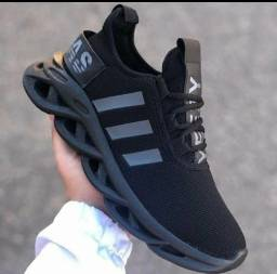 Tênis Adidas Premium