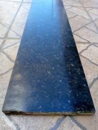 Duas peças de mármore verde ubatuba novas 22cm largura por 2,49m de comprimento cada uma