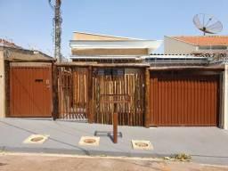 Casa de frente no Bairro Sinibaldi