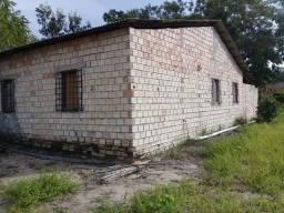 Casa/terreno. Obra não finalizada