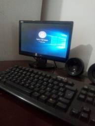 Computador pra estudo com mesa