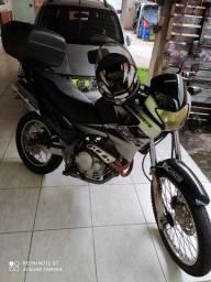Moto Falco 400