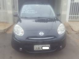 Nissan March 1.6 SV Top de linha 2012/2013