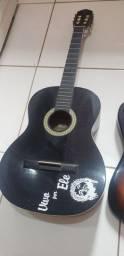 Vendo violão pra iniciantes.