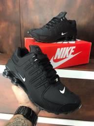 Tênis Nike Shox nz $180,00