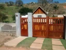 Casa em Miguel Pereira. Bairro Portal das Mansões.