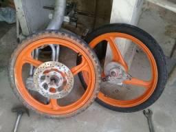 Vendo 2 pneus da Jonny cinquentinha