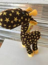 Pelúcia girafa nova (c/ etiqueta)