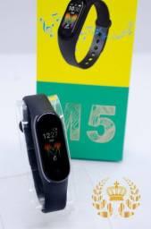 Smartband M5 Toca Música Atende Ligações Mede Pressão e Frequência Android e Ios