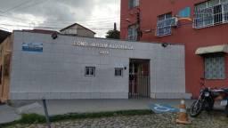 Apartamento com 2 dormitórios para alugar, 57 m² por R$ 659,00/mês - Jacarecanga - Fortale