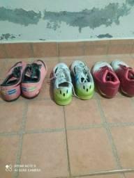 3 pares de tênis de futebol (Tatuí)