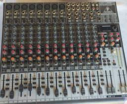 Mesa de som behringer xenyx 2222 FX