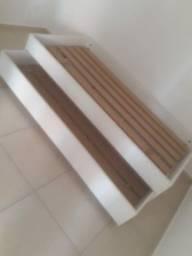 Vendo cama de madeira boa super conservado