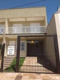 Sobrado com 3 dormitórios para alugar, 100 m² por R$ 1.945,00 - Universitário - Lajeado/RS