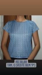 Camisa azul estampada