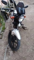 Garrine 125  2009 com o motor da titan 99 troco por outra moto