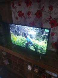 Vendo uma TV smart Toshiba  semi nova toda filé