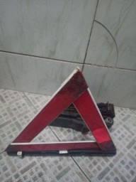 Triângulo, mAcaco e chave de roda