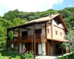 Título do anúncio: Casa triplex com 5 quartos à venda no bairro Comary, Teresópolis, RJ.