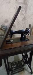 Título do anúncio: Máquina  de costura doméstica sem motor Valor R$280,00