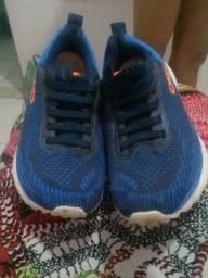 vendo sapato marca Olympikus número 32 pra criança