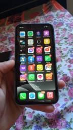 iPhone 11 64 Gb novinho completo na caixa ?