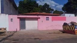Casa para Locação em Teresina, MACAÚBA, 3 dormitórios, 2 suítes, 1 banheiro, 2 vagas