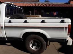 Caçamba d20 troco por carroceria de madeira da d20 - 1986