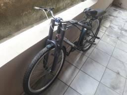 Bike top . Quadro de alumínio. Pra vender logo. Aceito troca