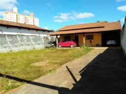 Casa sozinha no lote, Jardim Ana Lucia, ( Sudoeste ), 3 quarto sendo 1 suíte
