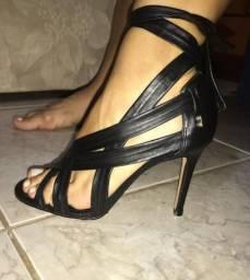 Sandália Santa Lola com salto tamanho 35 nova sem uso