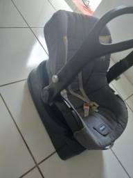 Bebê conforto. R$ 150,00