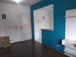 Excelente apartamento com 2 dormitórios perto do metrô de Colégio 198 mil