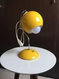 Luminária de mesa retrô bola amarelo