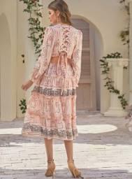 Vestido Boho Chic Decote Babados Trançado Costas Midi Rosé