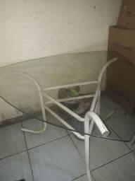 Vendo mesa de vidro e 2 cadeira